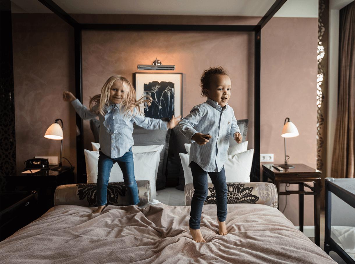 children_and_luxury_hotels_1220x910-2